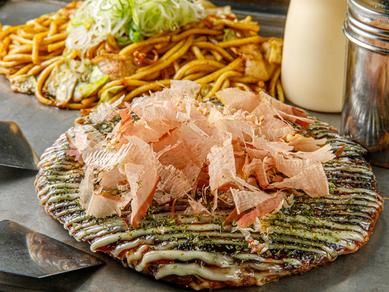 生地はパリッと、中はふんわり焼き上げた『ふわとろお好み焼き』。昔ながらの本場神戸の味