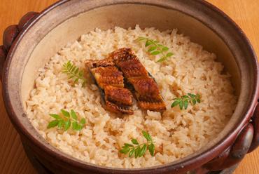 土鍋で炊くウナギ飯