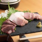 他ではなかなか食べられない!豚肉のお刺身『刺し盛り 三種』