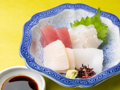 旬の海鮮を味わう『造り盛り合わせ』