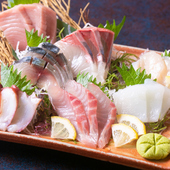 新鮮な魚を堪能できる『魚まみれ おまかせ7点刺盛り』