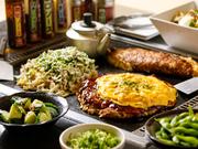 2名で楽しめるヒトサラ限定のお得なコース。お好み焼きと焼きそばからそれぞれ1種類ずつ好きなものを選べます。サラダもチョイス可能。1ドリンク付きです。