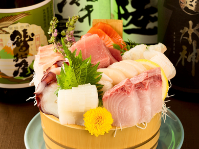 利益度外視の高原価率、人気ナンバーワンメニュー。【海鮮鮨和食 鈴徳】名物『刺盛大将』