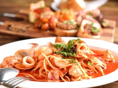淡路麺業のもちもち生パスタを使った『パスタ ペスカトーレトマトソース』