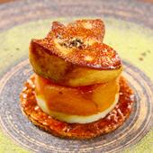 柿のキャラメリゼとフォアグラのポワレ タルト仕立て