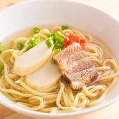 かつおスープと歯切れのいい麺、そして三枚肉。ベーシックなあのおいしさをここ千葉県で。『沖縄そば』