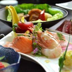 厳選のA5ランク山形牛と日本海の高級魚「のど黒」付き高級食材と季節のおすすめをご堪能頂ける特別会席。