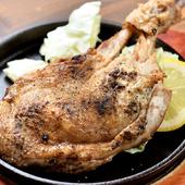 醤油ベースの特製ダシで煮込んだ自慢の『炙きん鶏(やきんこ)』