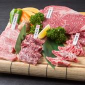 巨大なリブロースステーキの圧倒的存在感に驚く『特選ステーキ盛り(3~4人前)』
