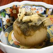 柔らかくダシの染みた、滋味深いひと皿『定番のおでん 大根』