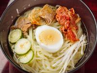 和牛からとっただしをベースにした、自家製スープが味の決め手!『やいち冷麺』