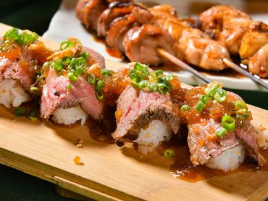 ボリュームたっぷり。贅を尽くした一貫を頬張る幸せ『肉寿司』