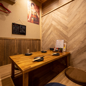 人気の個室型掘りごたつ式座敷席は、4人用が2室と3人用が1室あり