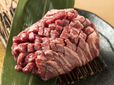 鮮度抜群のハラミをたっぷり味わう『厚切りハラミステーキ』