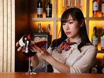 ワインエキスパートが、今宵の一杯を選んでくれる