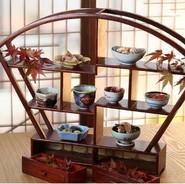 【日本料理と日本酒恵史】では保科さんが自ら市場に足を運び、新鮮な魚介を目利きします。その時期にいちばん旨みを増す鮮魚を盛り込んだお造りは、日本酒のお供にぴったり。思わずお酒が進みます。