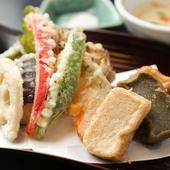 生麩田楽や湯豆腐など京都ならではのお料理をご用意しております