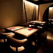 席間隔は広めに取られており、安心して食事を楽しめる