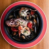 奄美大島直送鮮魚を贅沢に使用した「鮮魚のアクアパッツァ」