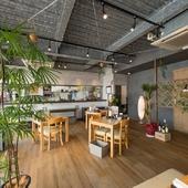 広く、開放感のある店内はデートなどのシーンでのご利用に最適
