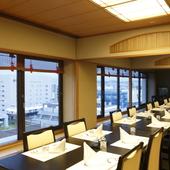 情緒溢れる落ち着いた空間で、季節感あふれる日本料理を楽しむ