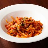 自家製麺と地元産銘柄豚がおいしくコラボ『やまゆりポークと栗のラグー 自家製タリアテッレ』