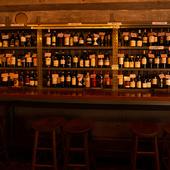 壁一面に並べられたワイン
