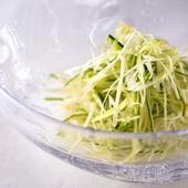 丁寧な仕事の積み重ねで完成される、至極シンプルな前菜『搾菜』