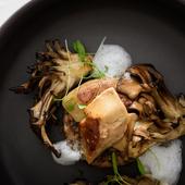 滋味あふれる日本各地の旬野菜や魚介、フランス産の肉や高級食材