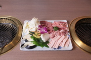 ソフトロース・カシワ・バラ・ライス2つ・ワカメスープ2つ・野菜付