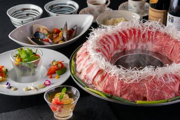 博多の新名物『博多炊き肉鍋コース』※コースの種類は料理メニュー「コース」で詳しく紹介しています