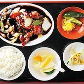 餅米黒酢のあんをタレめしのため残したい、黒酢酢豚セット750円