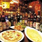 オムライスやピザなどのアラカルトは700円から