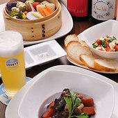 和牛スネ肉の赤ワイン煮1400円、鶏団子と旬野菜のせいろ蒸しなど