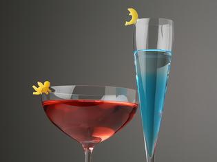 カクテル用の旬のフルーツとワイン、ウィスキーの豊富な品揃え