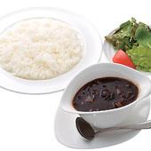 じっくり煮込んだ自慢和牛テール肉のハヤシライス1600円