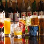 焼酎約30種、日本酒約10種など、豊富なドリンクメニュー
