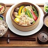 季節の味が楽しめる、せいろ蒸しの晩ご飯1500円