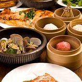 家庭的な味付けの肉じゃがやセイロに入った中華チマキなど