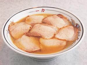 敦賀ラーメンを代表する一杯。豊かなコクのあるスープが特徴です