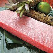 酸味と深みのバランスがとれた150kg超の本マグロを使用