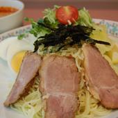 ダシのうま味がきいた甘辛いタレと細麺が特徴の広島つけ麺