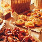 食事パンもデニッシュも幅広く揃う