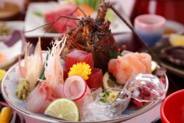 伊勢海老のお造りをはじめ、西伊豆の新鮮な磯料理でおもてなし…