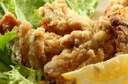 しっかりと塩だれにつけた鶏唐揚げはおすすめですよ。