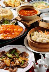 鳳龍菜館自慢のお料理がズラリ★7~8名様分のお料理をお出しして、合計12960円(税込)のお得なコースです♪