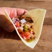 鶏のダシの効いたご飯と柔らかい鶏肉の組み合わせは絶品です!