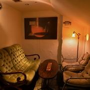 ソファー席・洞窟個室も人気