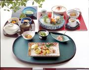 前菜/お造り盛合せ/煮物/サラダ/茶碗蒸し/御飯/香乃物/お椀/佃煮/季節のアイス