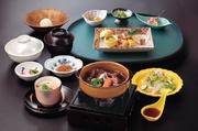 前菜/茶碗蒸し/季節のサラダ/和風ビーフシチュー/御飯/スープ/香乃物/季節のアイス